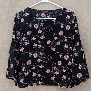 Rue 21 Floral Bell Sleeve Blouse